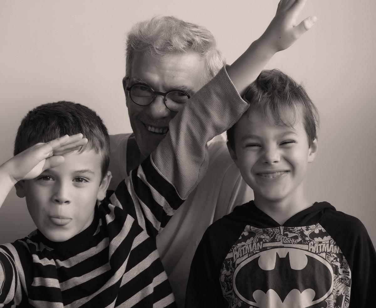 Matis, Théo et Grand-papa